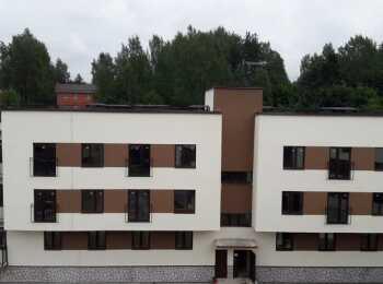 Монолитно-кирпичный трехэтажный жилой дом